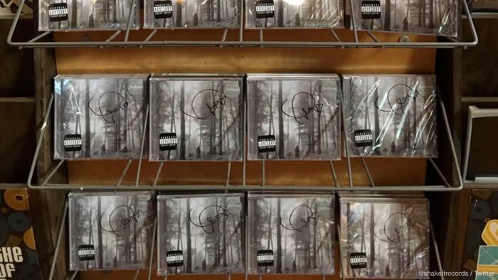 News video: Taylor Swift: Ehrlicher Fan liefert CDs in Plattenladen ab