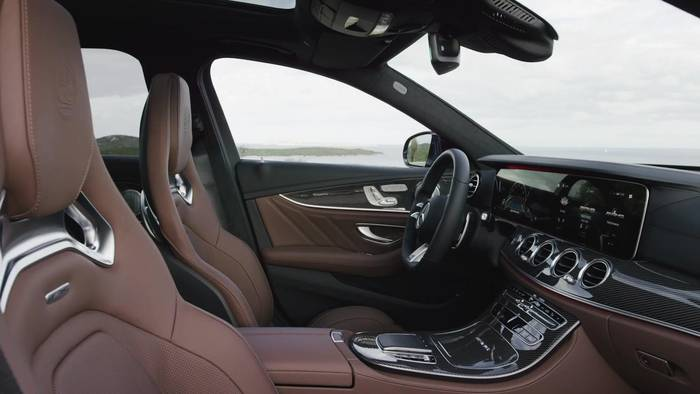 News video: Der neue Mercedes-AMG E 63 S 4MATIC+ T-Modell - Edles Interieur mit sportlicher Note und hohem Langstreckenkomfort
