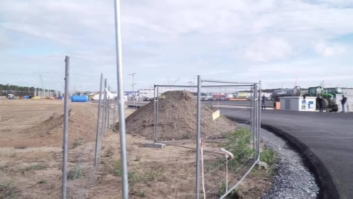 News video: Termin für Tesla-Fabrik in Brandenburg steht trotz Corona
