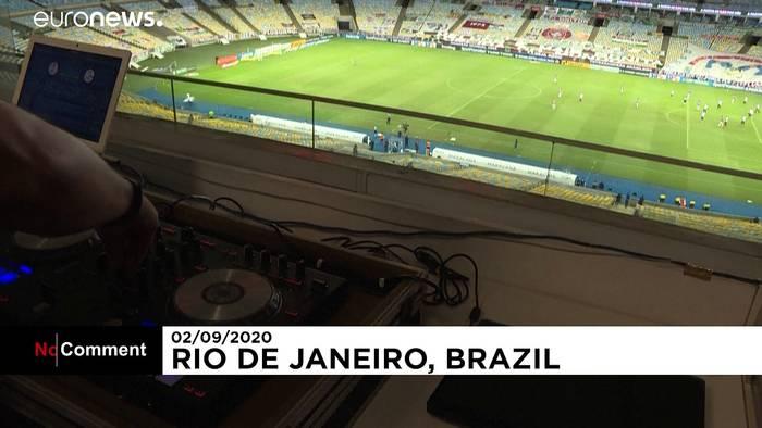Video: DJ ersetzt Zuschauer im Stadion