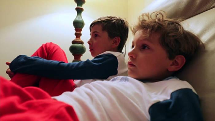 News video: So wirkt sich Zeit vor dem Bildschirm auf die Schulleistung aus