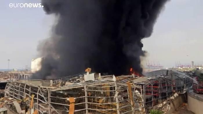 News video: Neuer Großbrand: Schwarze Rauchschwaden über Hafen von Beirut