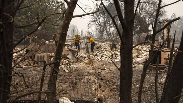 News video: Dem Erdboden gleich gemacht: Das Feuer wütet in Oregon