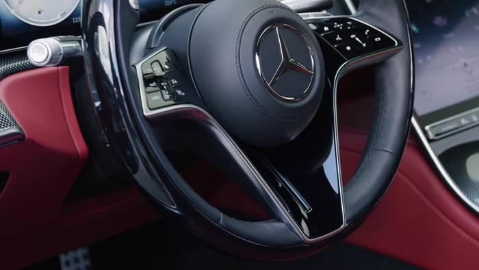 Video: Die neue Mercedes-Benz S-Klasse - Das Interieurdesign