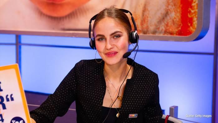 News video: Elena Carrière zeigt Cellulite-Schnappschuss
