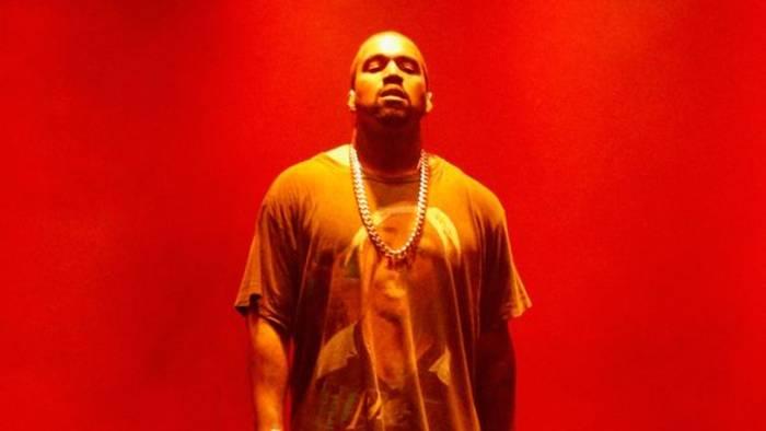 News video: Kanye wird bei Twitter rausgeworfen, pinkelt auf Grammy & nennt sich Moses