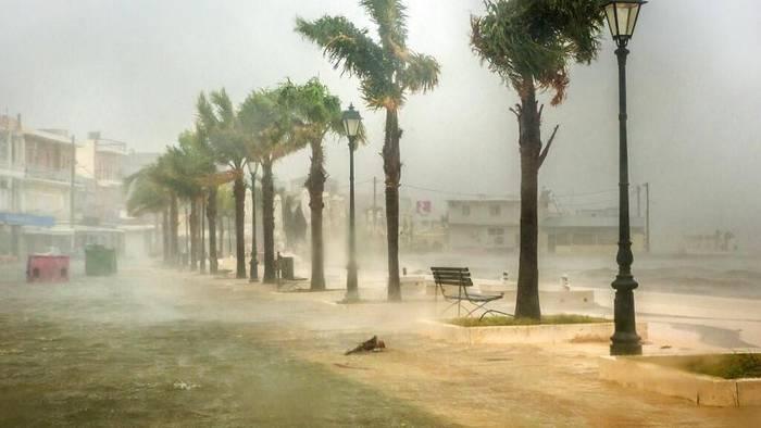 News video: Verwüstungen und Springfluten: Wirbelsturm Ianos trifft Urlaubsinseln