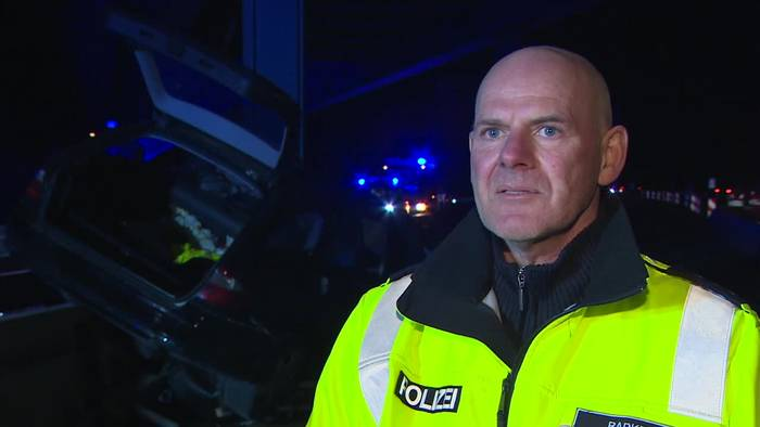 News video: Autofahrer stirbt nach Kollision mit Brückenpfeiler auf A10