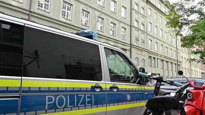 Video: Drogen-Razzia bei der Münchner Polizei