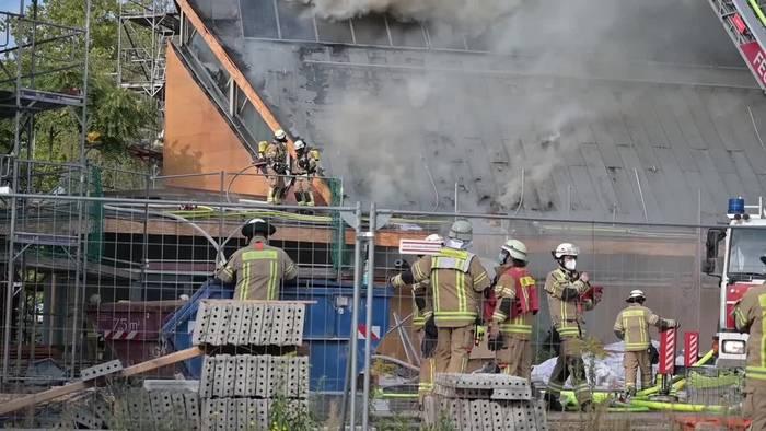 News video: Jeremia-Kirche in Berlin-Spandau in Brand geraten
