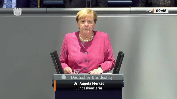 News video: Emotionaler Appell: Merkel bittet um Durchhalten