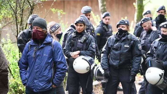 News video: Hessen: Erneute Proteste gegen Rodungen für A49-Ausbau