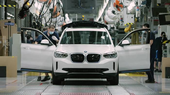Video: Produktionsstart für den vollelektrischen BMW iX3