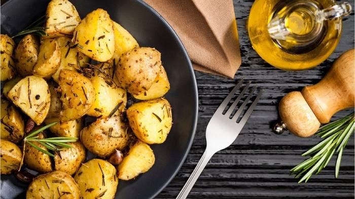 Video: Kartoffeln kochen: Vermeiden Sie die fünf größten Fehler