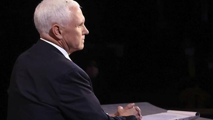 News video: US-Wahlkampf: Wie die Fliege Mike Pence und Kamala Harris die Show stahl