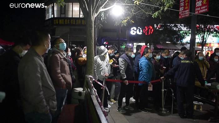 Video: 12 neue Corona-Fälle: China testet 9 Mio. Menschen in Qingdao in 5 Tagen