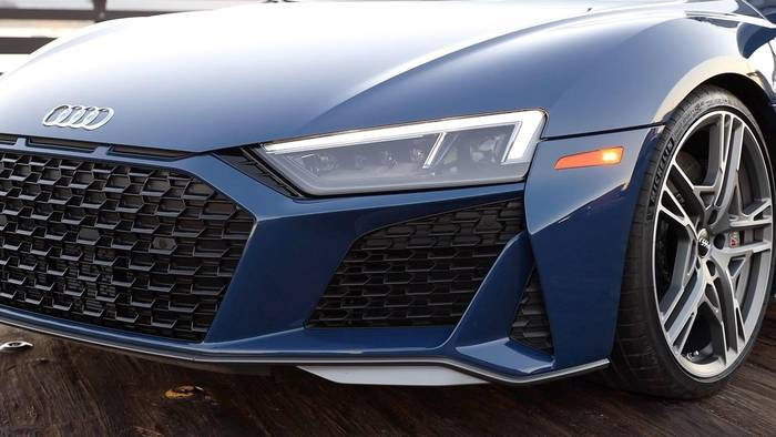 News video: Der neue Audi R8 - Spitzer und straffer - das Design