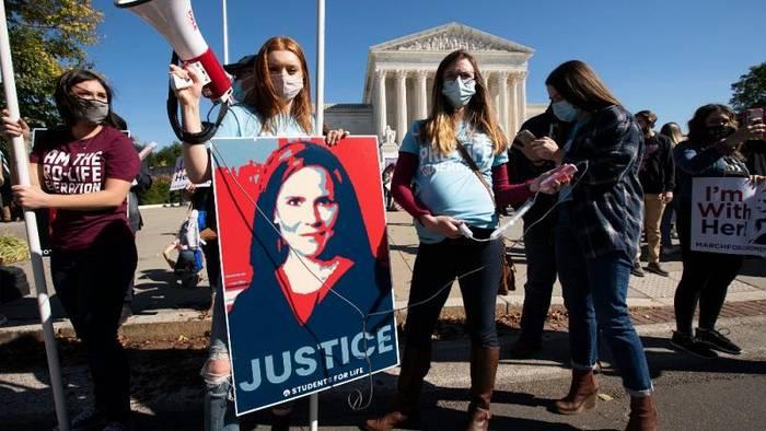 Video: Richterwahl: Pro- und Contraproteste in Washington