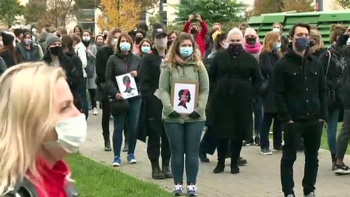 News video: Streik und Demonstrationen gegen Abtreibungsverbot in Polen