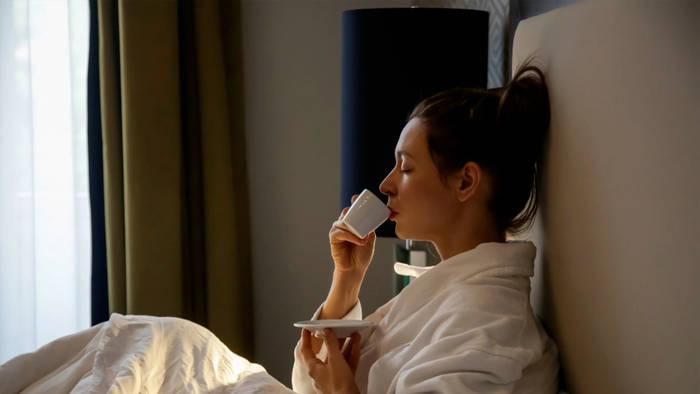 Video: Kaffee nicht auf leeren Magen trinken: Diese Getränke helfen beim Start in den Tag