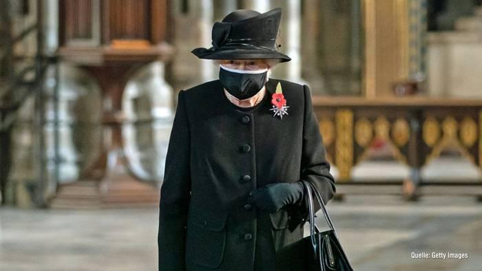 News video: Mit Maske: SO zeigte sich Queen Elizabeth II. noch nie