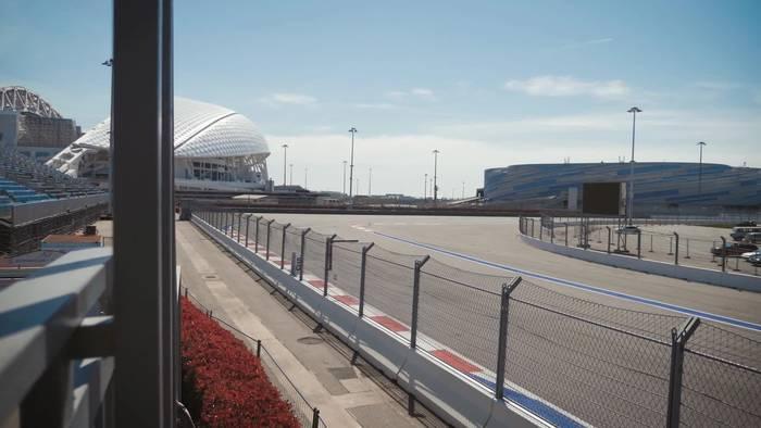 News video: Mega-Ausraster von Leclerc im Ferrari-Funk - Vettel überrascht mit Gänsehaut-Antwort