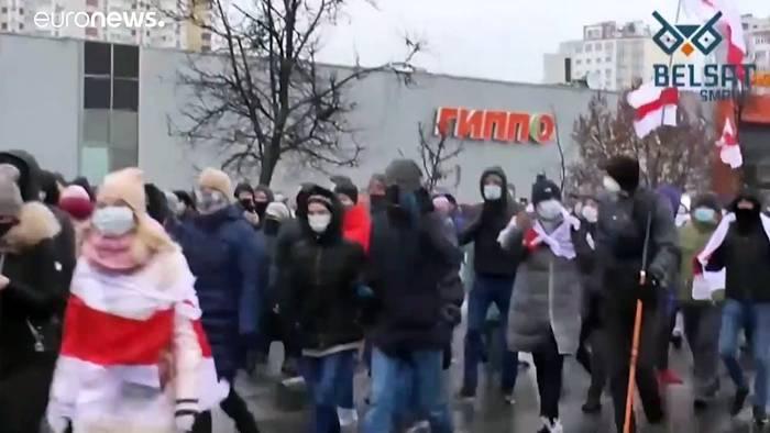 News video: Belarus: Polizeigewalt bei friedlicher Demo, über 300 Festnahmen