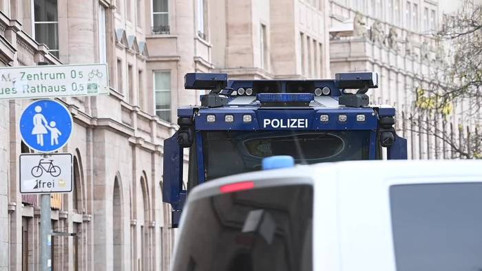 News video: Polizei will nach Demo-Tag in Leipzig Bilanz ziehen