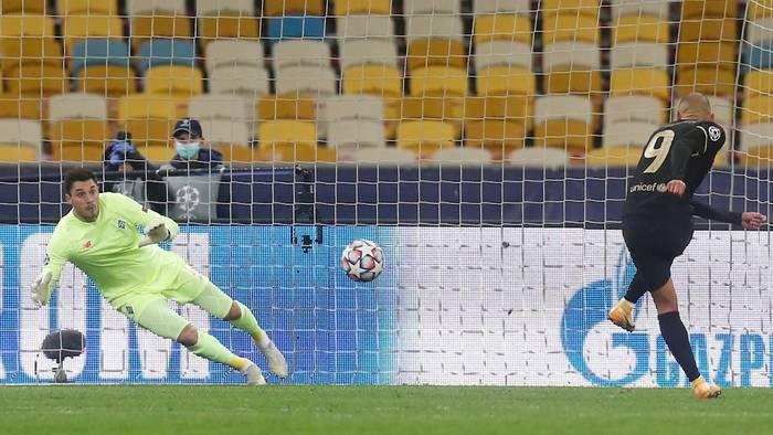 News video: Champions League: Barca siegt in Kiew, BVB gewinnt 3:0 gegen Brügge