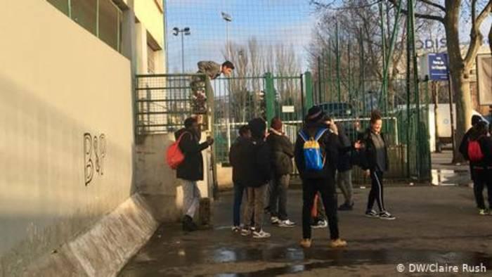 News video: Frankreich: Islamistische Fake News terrorisieren Schüler