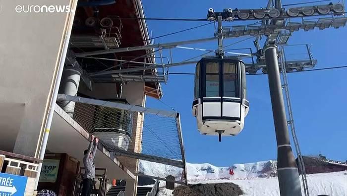 Video: Wegen Corona: Skisaison in den Alpen steht auf der Kippe