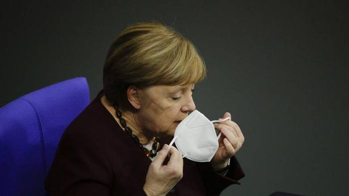 News video: 22.268 Neuinfektionen: Merkel empfiehlt 1 Woche der Isolation vor Weihnachten