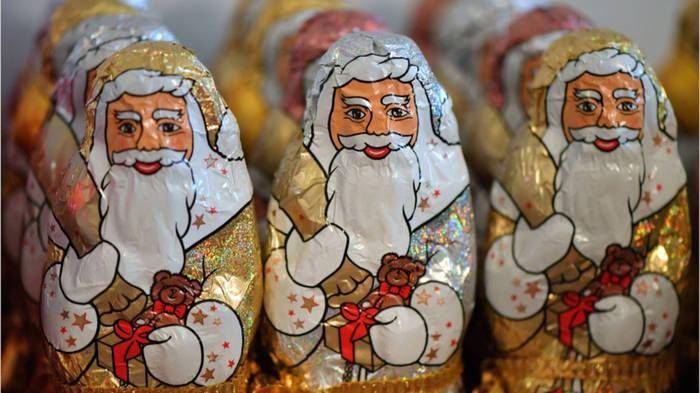 News video: Deutlicher Preisunterschied bei Schoko-Weihnachtsmännern!