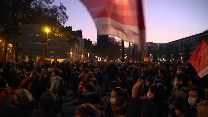 Video: Proteste gegen Sicherheitsgesetz und Schock über Polizeigewalt