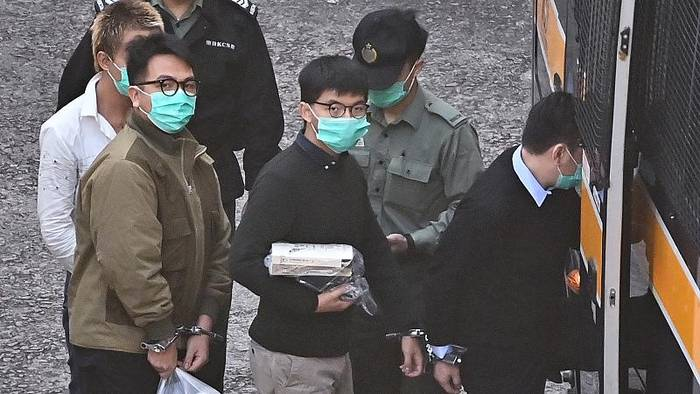 News video: Aktivist Joshua Wong in Hongkong zu 13 Monaten Gefängnis verurteilt