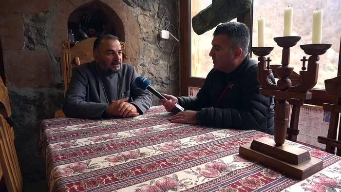News video: Hoffnung in Bergkarabach: Drei Konfessionen beten an umstrittenem Kloster