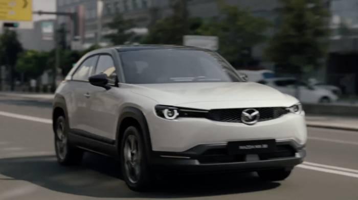 News video: Mazda geht neue Wege - Mazda MX-30 Experience Strategie in zwei Phasen