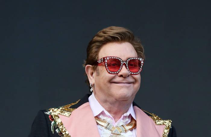 News video: Sir Elton John wartet mit den Aufnahmen eines neuen Albums