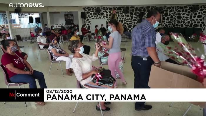 Video: Maskierte Mariachi-Musiker spielen zum Muttertag in Panama-Stadt