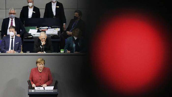 Video: Warnstufe rot - Merkels eindringlicher Appell für harten Lockdown