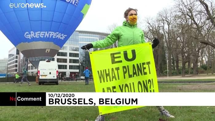 News video: Beim EU-Gipfel: Greenpeace protestiert mit Heißluftballon für mehr Klimaschutz