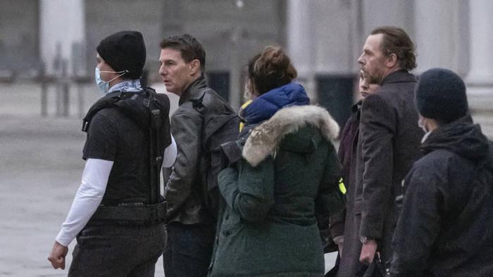 News video: Covid-Regeln missachtet: Tom Cruise rastet am Set aus