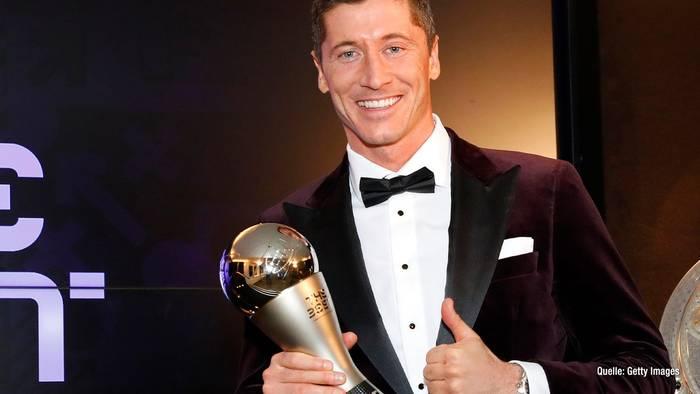 News video: Robert Lewandowski ist Weltfußballer: So reagiert das Netz!