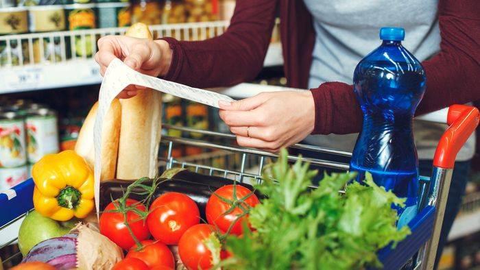 Video: Mit diesen 10 Tricks sparen Sie im Supermarkt