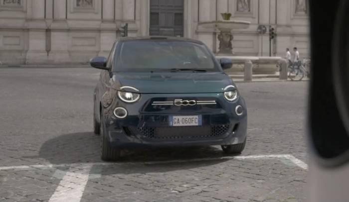 """News video: Der neue Fiat 500 """"la Prima"""" - Autonomes Fahren auf Level 2 und Konnektivität"""
