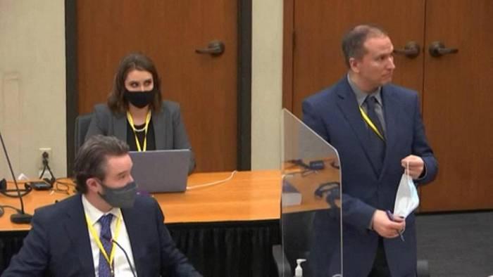 Video: Leiter der Mordkommission: Gewalt gegen Floyd