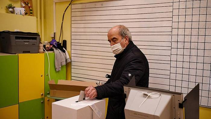 News video: Parlamentswahl in Bulgarien - gute Chancen für Boiko Borissow