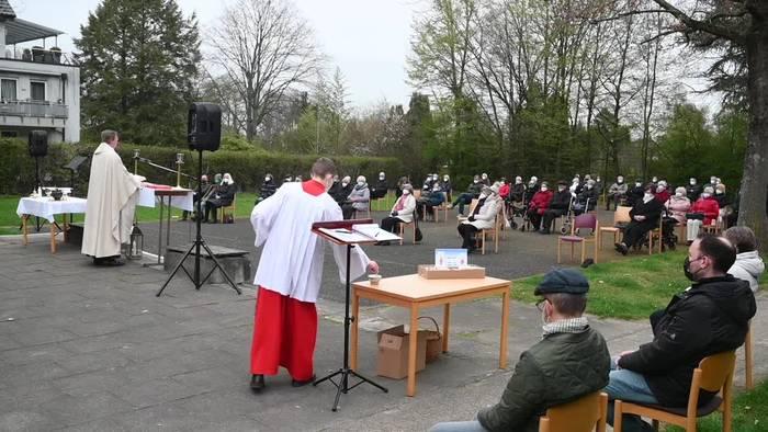 News video: Gottesdienste mit Schutzregeln - Zweites Corona-Osterfest