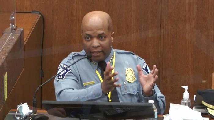 Video: Polizeichef verurteilt Vorgehen von Polizisten gegen George Floyd