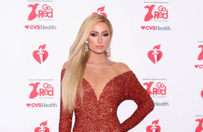 Video: Paris Hilton ist